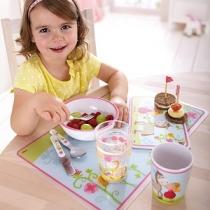 Тарелки, чашки, приборы